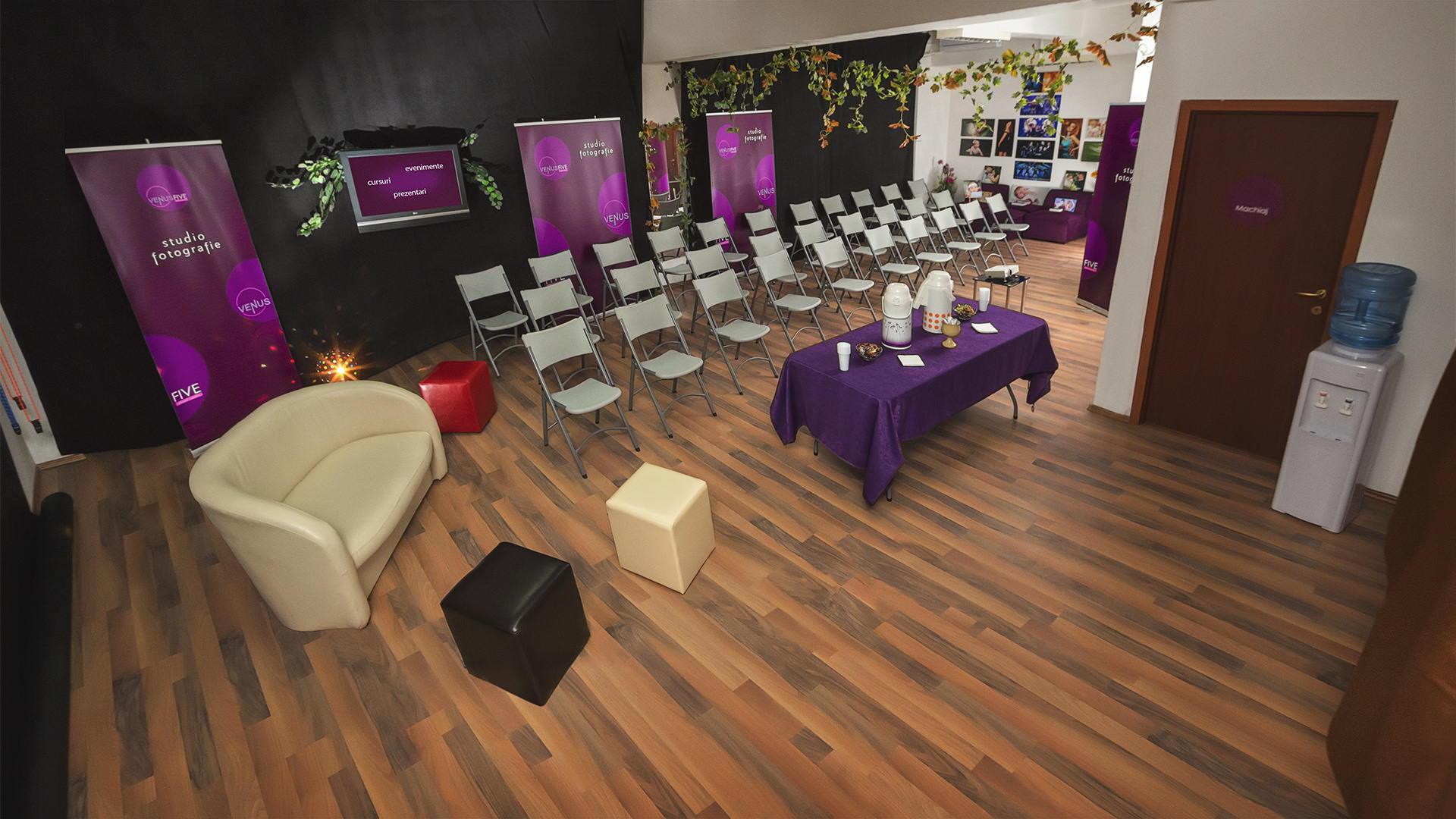 Studio Foto - Conferinte si Cursuri